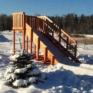 Зимние деревянные горки