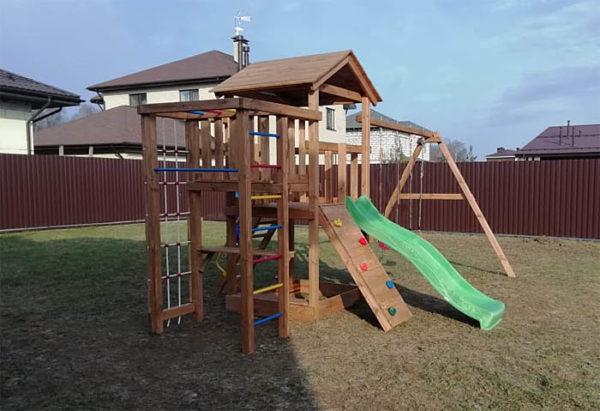 Детская площадка для дачи Лео окрашенная_3